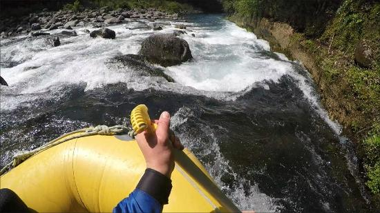 Tongariro River Rafting: GoPro : Approaching a rapid.