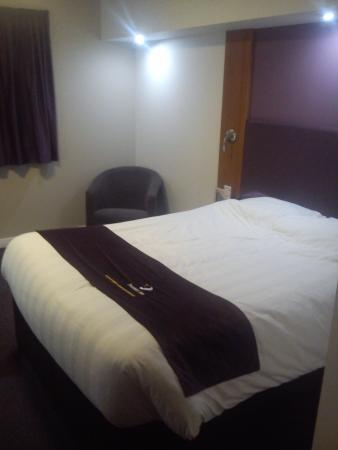 Premier Inn Lisburn Hotel: In the room