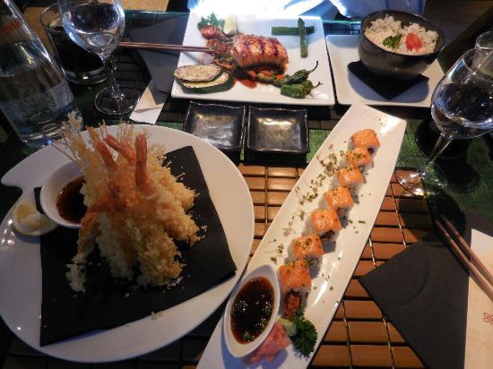 Ikibana Restaurant & Lounge Born : Delicious salmon teriyaki and soft crab sushi too =^.^=