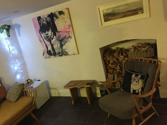 Oriel Milgi: Living Room
