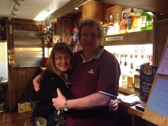 The Globe Inn: Vivienne & Peter