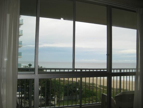 Surfers Royale: We can hear the surfs when the balcony doors are open