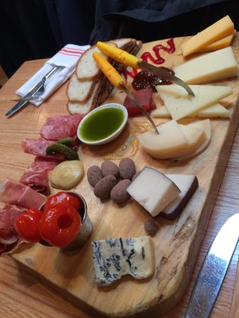 Ideal Wine and Cheese Cafe Allow the cheese experts to select your pairings : cheese plate pairings - Pezcame.Com