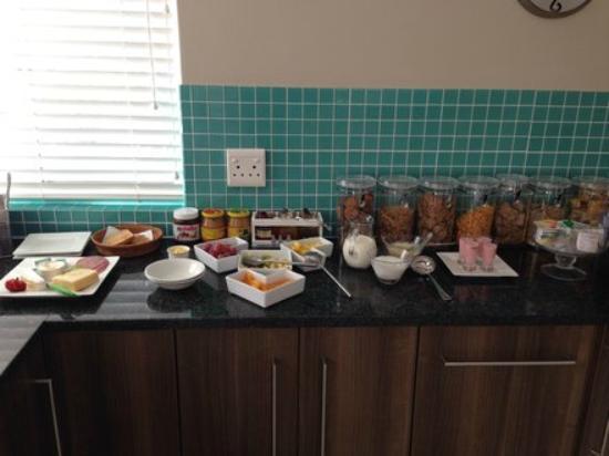 Moya Manzi Beach House: Frühstücksbuffet