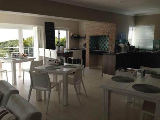 Moya Manzi Beach House: Frühstücksbereich