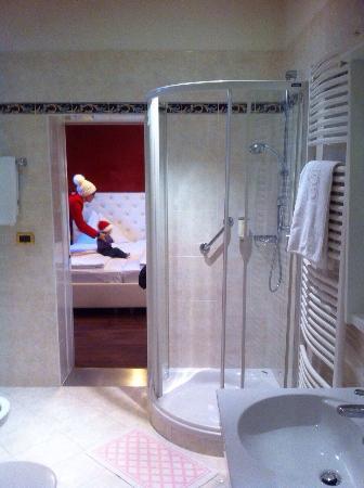 Hotel Garni Guenther: Ampio bagno  Pulitissimo!!!