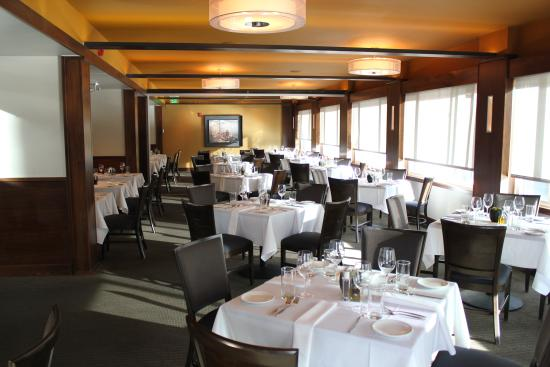 Aurum Food & Wine: Dining Room
