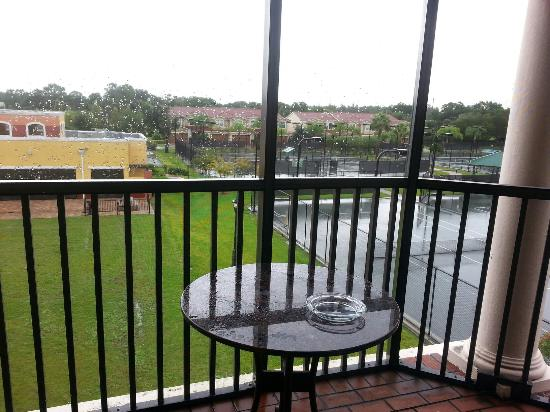 Emerald Greens Condo Resort : Varanda