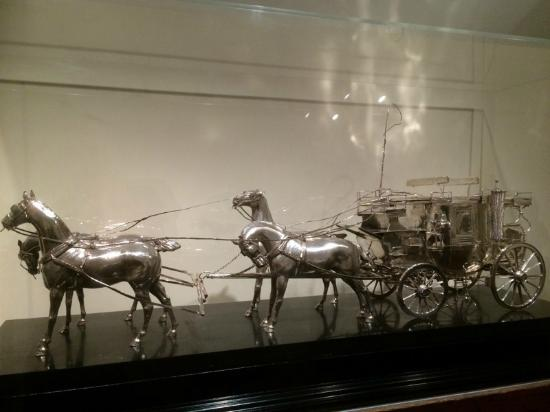 National Sporting Library & Museum : Pewter Carriage