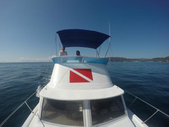 Montezuma Crew: Clean Beautiful Boat