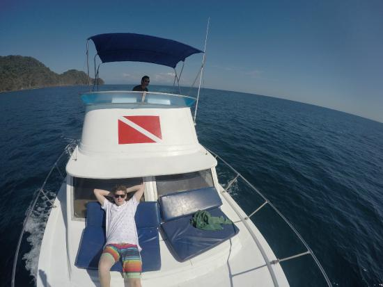Montezuma Crew: Relaxing on trip from dive site to docks