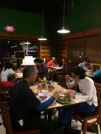 Saigon Cafe: Dining room