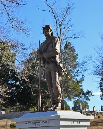 Marietta Confederate Cemetery: Statue of Confederate Soldier