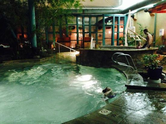 salt water pool and hot tub at el monte sagrado - Saltwater Hot Tub