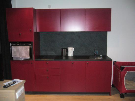 Zin Senfter Residence: cucina