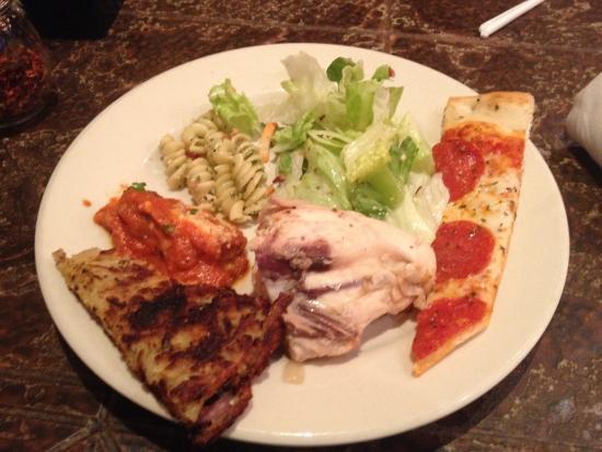 Cinzetti's: Pizza, ham & cheddar hash browns, house salad, pasta salad, and chicken breast