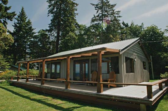 Sea Breeze Lodge: Arbutus and Balsam