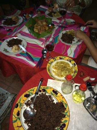 Hostal Mercedes Padron Jimenez: Delicious Cuban Beans with Rice, Langostas, Salad, and Appetizers!