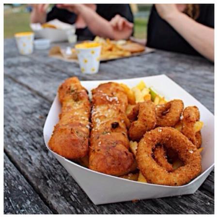 Sea salt fish chips sawtell restaurant reviews phone for Sea salt fish grill