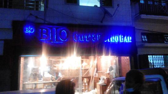B2O Cafe' & Bistro Bar
