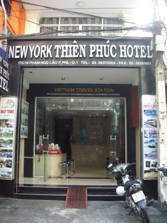 New York Thien Phuc Hotel: 正面