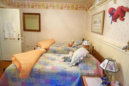 Nye's Green Valley Farm B&B: Bedroom