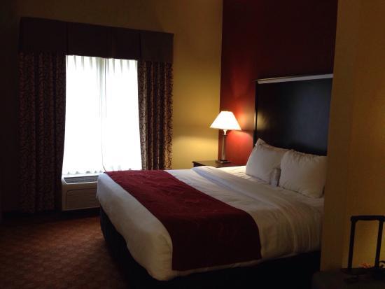 Comfort Suites: King bed