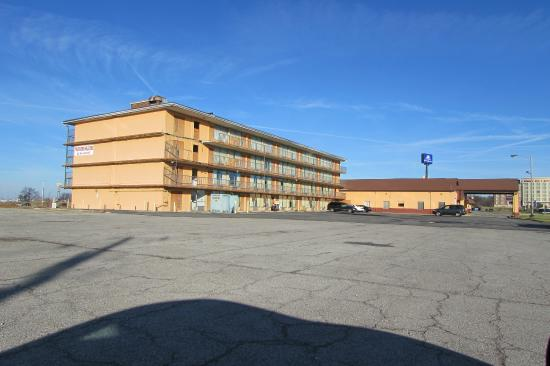 View Of Building From Southeast Picture Affordable Inn Mount Rh Tripadvisor Com Hotels In Vernon Il Area Mt With Veteran