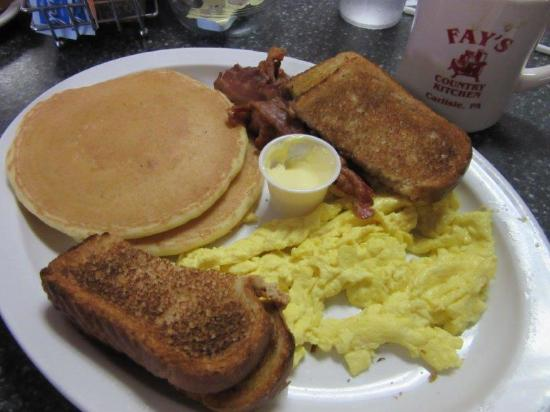 Fay's Country Kitchen: Nice looking, but served lukewarm