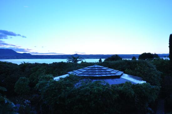 Lake Taupo Lodge: View of lake