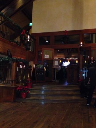 Owl's Nest: Restaurant Entrance