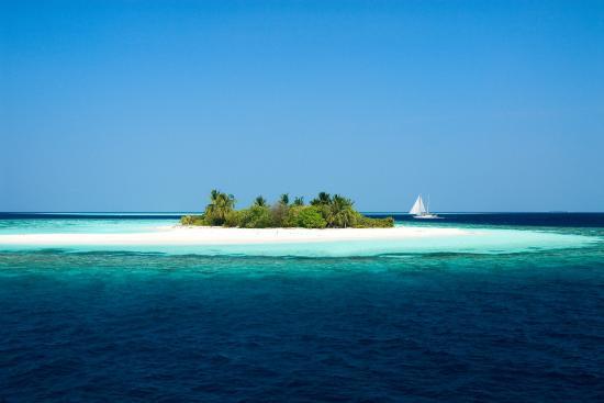 Picnic island in Alifu Atoll, Maldives