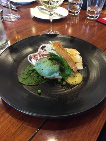 Josef Chromy Cellar Door : Beautiful lunch with fresh line caught fish, recommended wine went perfectly with my lunch and t