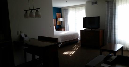 Residence Inn San Bernardino : Open design