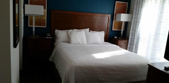 Residence Inn San Bernardino : Comfy bed