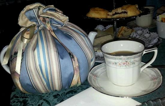 Leesburg, VA: Custom Oatlands tea blend