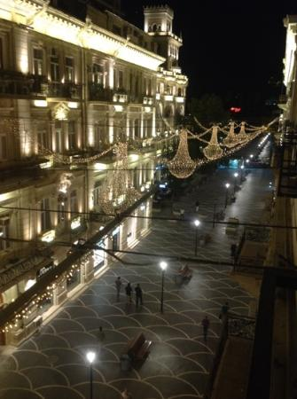 Austin Hotel Baku: view of the main pedestrian area from one of the standard rooms