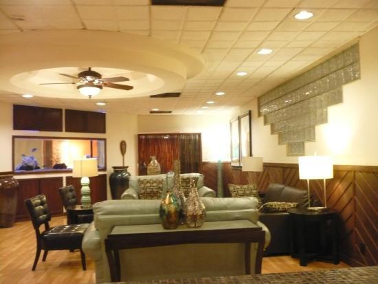 Airport Honolulu Hotel: Lounge