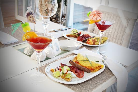 @Belurana River Manor: Breakfast