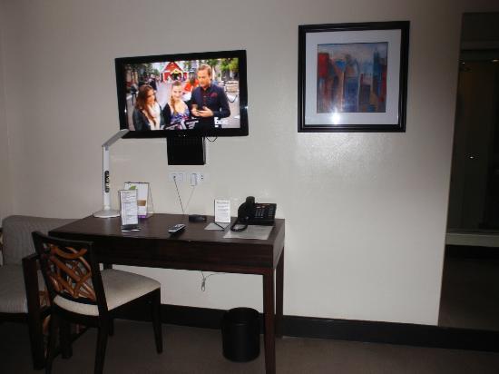 Goldberry Suites & Hotel: Bedroom