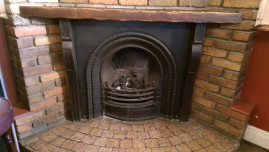 The Central Bar: Lovely fireplace