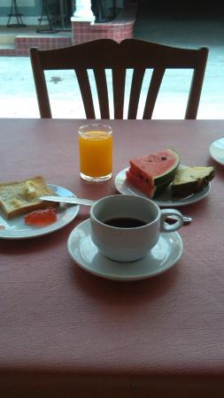 Sawasdee Sunshine Hotel: завтрак