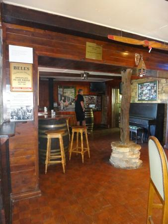 The Historic Pig & Whistle Hotel: The Warm Welcoming Pub
