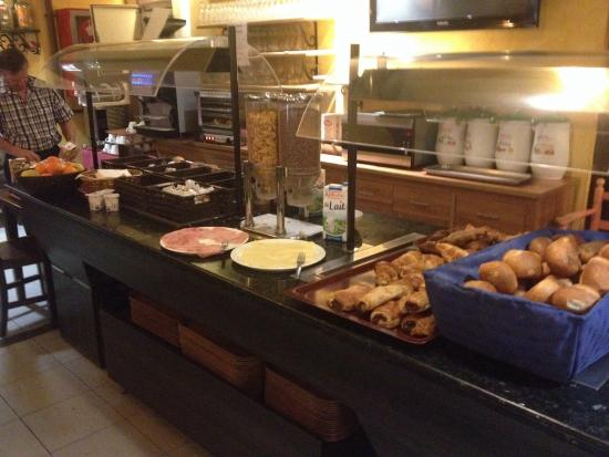 Hotel Pic Mari : Breakfast Buffet
