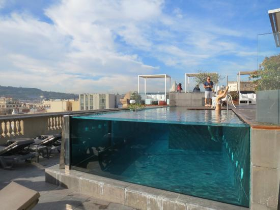 der pool auf dem dach bild von hotel ohla barcelona barcelona tripadvisor. Black Bedroom Furniture Sets. Home Design Ideas
