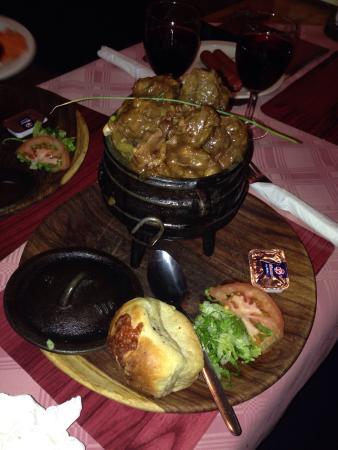 Smokey Train Diner: Oxtail potjie