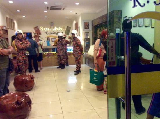 Sun Inns Kuala Selangor: Firemen comes for checking