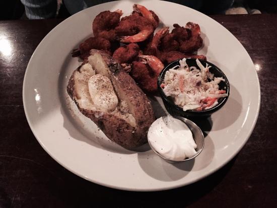 Biggie's Clam Bar: Biggies fried clam platter