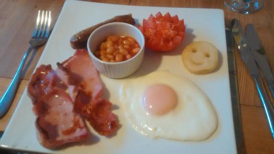 Hamlet House Bed and Breakfast: smiley breakfast