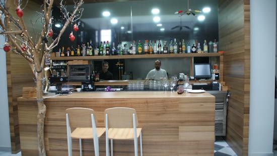 Cocina Desde La Barra Del Restaurante Fotograf A De El